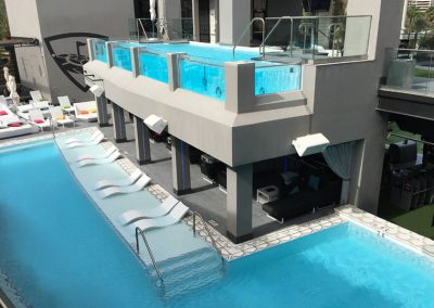 Top Golf Las Vegas Acrylic Panel Pool
